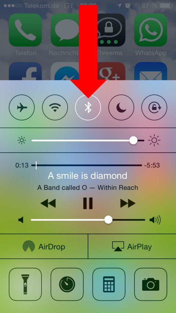 iPhone Kontrollzentrum aktivieren streichen Display Bildschirmrand Bluetooth einschalten 1