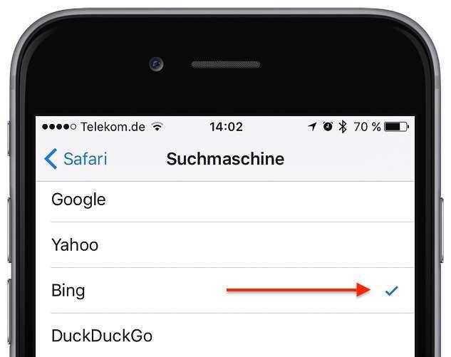 Tippen Sie die gewünschte Suchmaschine an, damit sie mit einem Häkchen als Standard-Suchmaschine für Safari auf Ihrem Phone aktiviert wird: